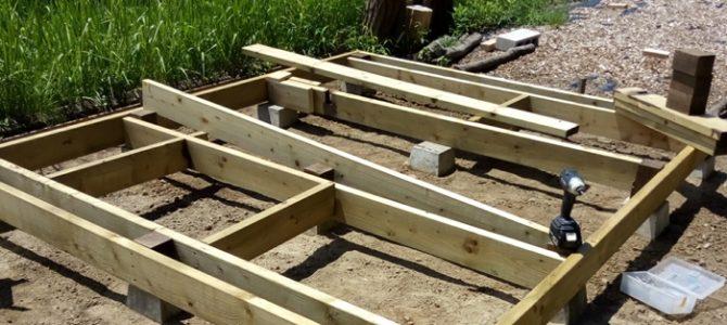 DIY 小屋作り 基礎枠