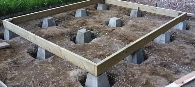 DIY 小屋作り 基礎石設置