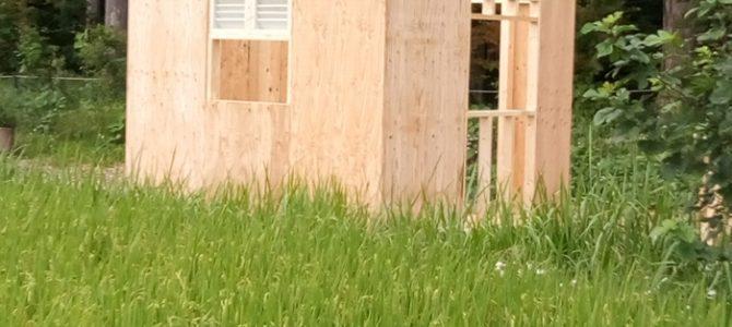 DIY 小屋作り 外壁パネル貼り