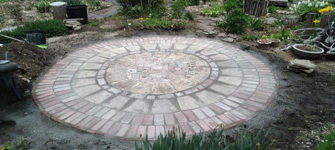 DIY~石畳(ガーデン)レンガ風コンクリートでテーブルスペースをリニューアルしました